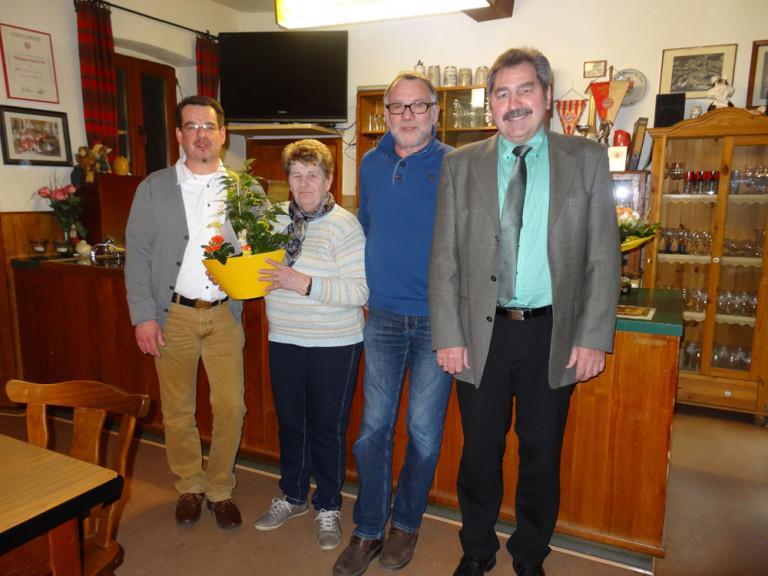 Der Vorstand gratuliert Else Deivel